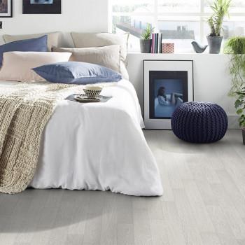 Sol PVC avec support feutre décor chêne blanchi