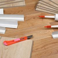 Pose de dalle et lame PVC  : sous-couche, cale, cutter...